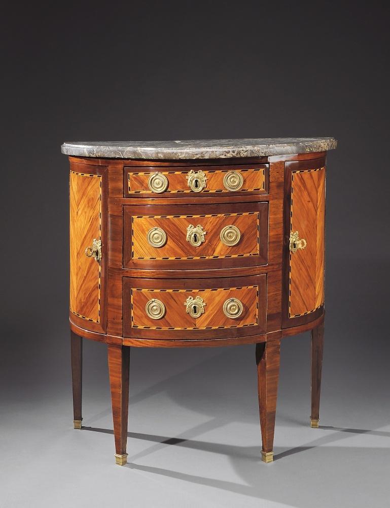 Commode demi lune louis xvi lapie antiquaire for Antiquaire lille meuble