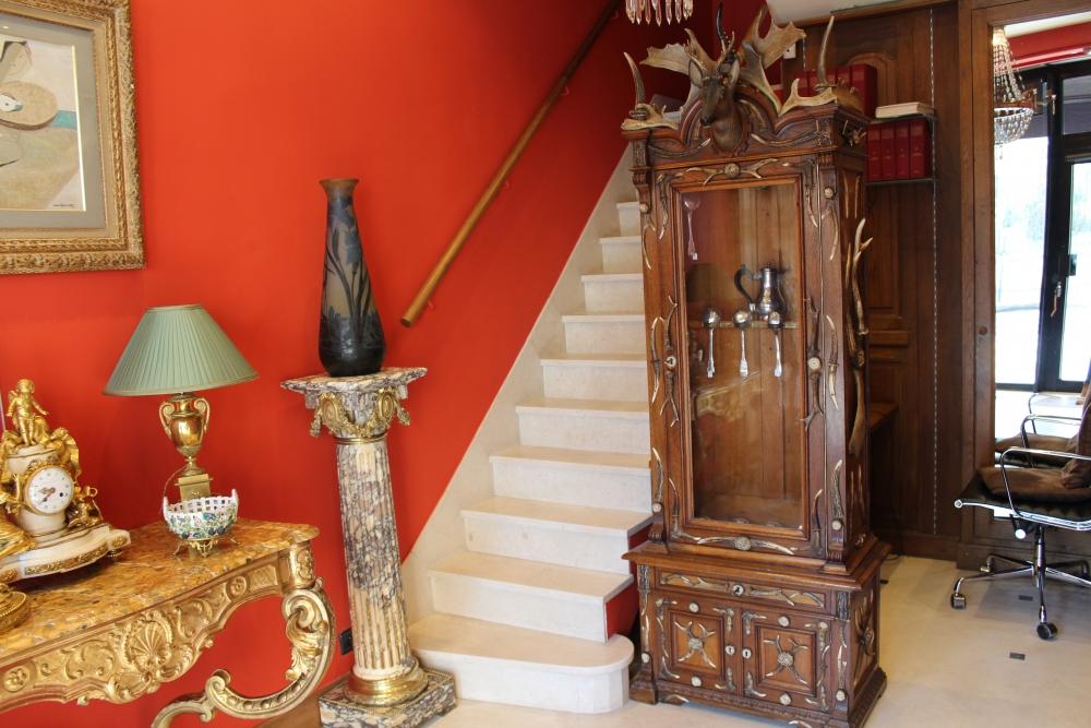armoire a fusils antiquaire christophe lachaux rue de. Black Bedroom Furniture Sets. Home Design Ideas